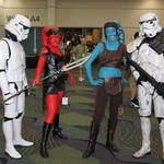 Trooper checks out the Twi'leks